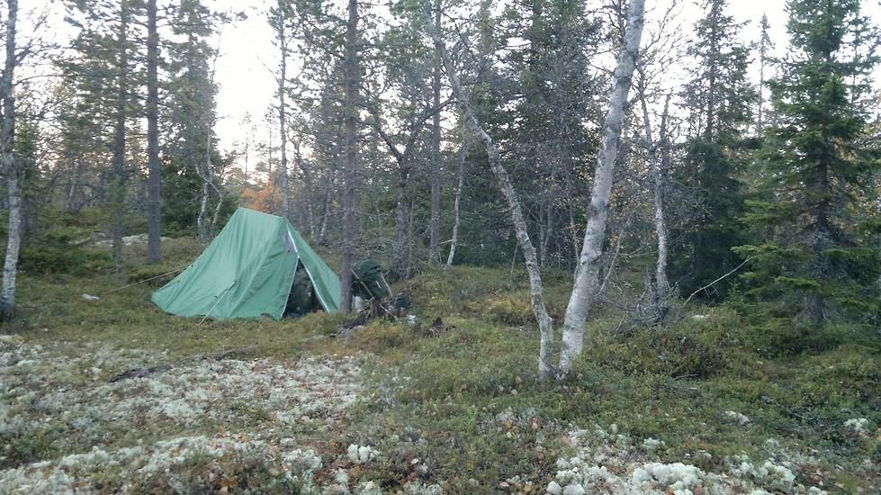 Vi övernattar i tält på Pilgrimsvandringen